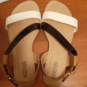 ♠️Kenneth Cole Reaction Black and White Sandals…